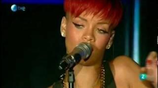 Rihanna-Diva.com // Rihanna at Rock in Rio Festival - Fire bomb