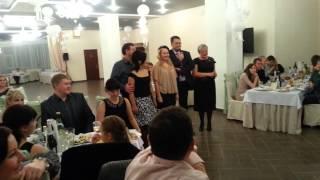 На свадьбе.Поздравления молодым