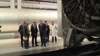 Александр Бурков оценил масштабы технического перевооружения омского «Полёта»