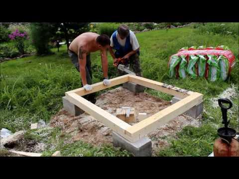 Монтаж основания дачного туалета