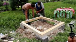 видео Как построить туалет на даче своими руками
