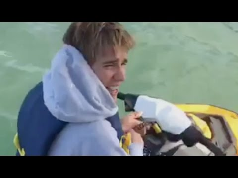 Thumbnail: Justin Bieber pulls up to Trey Songz yacht with Odell Beckham Jr