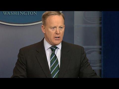 Sean Spicer details Trump border wall executive order