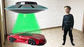 Космический корабль привез новую машинку из будущего. Видео для детей.