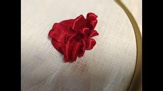Бутон розы из атласных лент