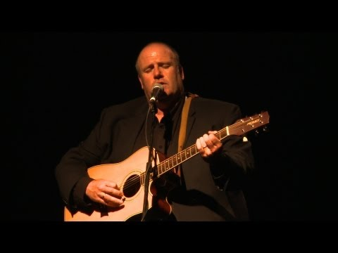 Don Stiffe sings 'Galway Bay': Traditional Irish music from LiveTrad.com