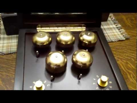 mr.-christmas-musical-animated-symphony-of-bells-train-music-box