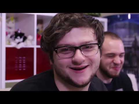 SKYDOESTHINGS! WHATS IN MY MOUTH CHALLENGE! W ROSS, SKY, AND BARNEY!
