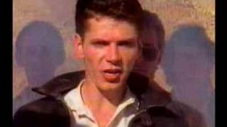 Watch Icehouse Great Southern Land video