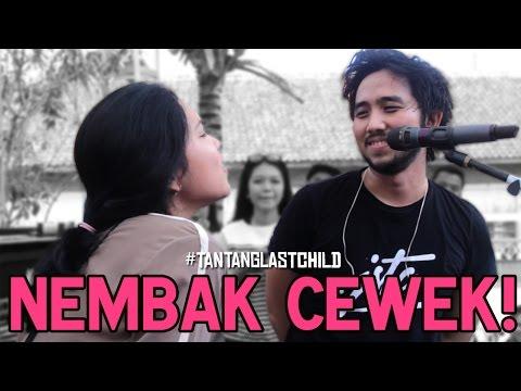 HEBOH! Anak Band Rame-Rame Nembak Cewek Di Panggung Musik