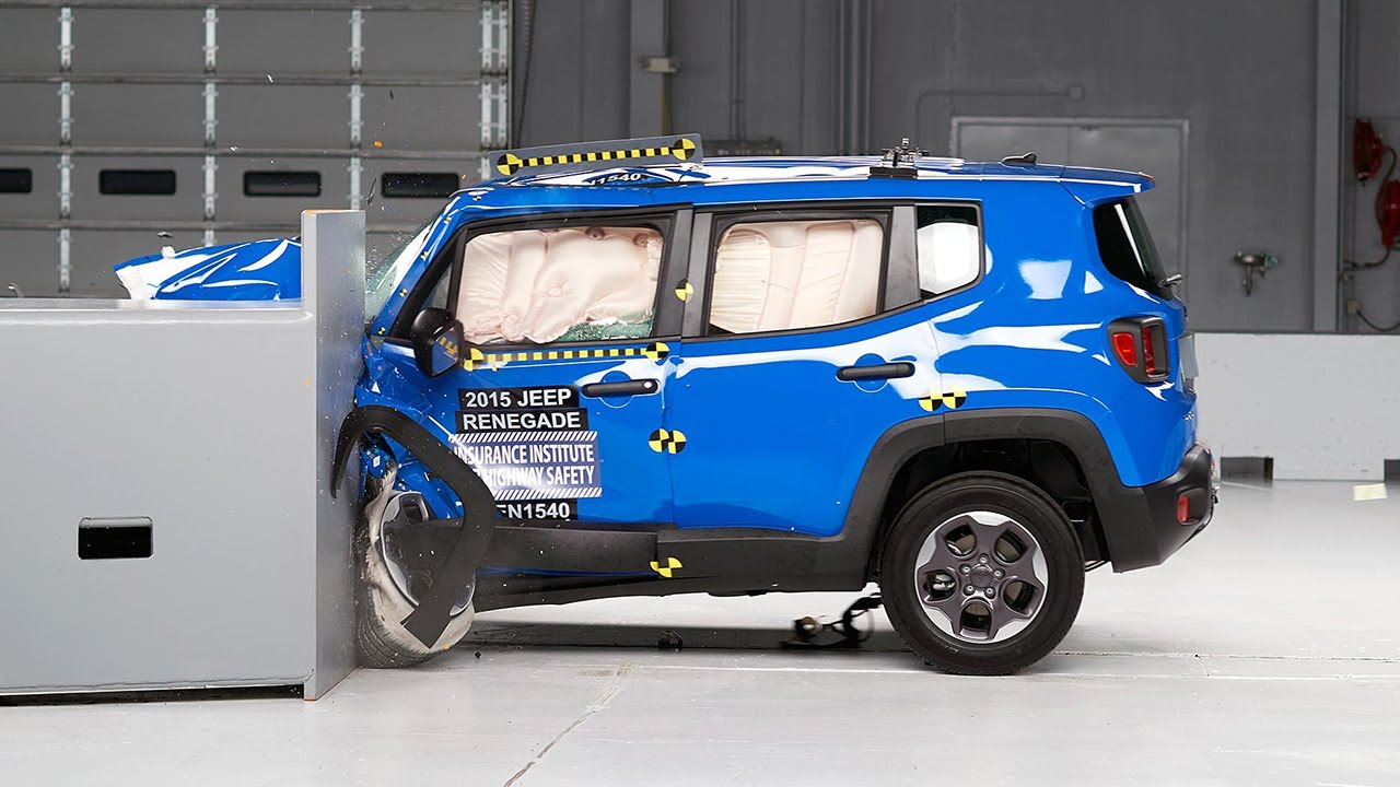2015 jeep renegade small overlap iihs crash test. Black Bedroom Furniture Sets. Home Design Ideas
