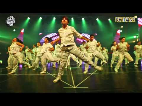 Varun Dhavan Medley -SHIAMAK SUMMER FUNK 2019 - MUMBAI