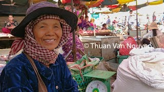Cambodia    Kampong Thmor Market    Kampong Thom Province