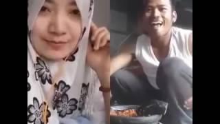 Video Smule Lucu Yoncha Gagap vs cewe cantik Sambalado download MP3, 3GP, MP4, WEBM, AVI, FLV Oktober 2017