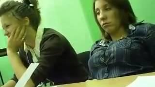 Девка на уроке засыпает   Not to sleep in the lesson