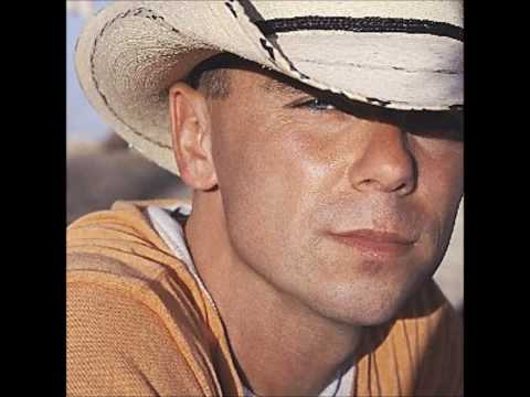 Kenny Chesney-Somewhere With You (girl version)