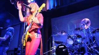 Lita Ford---Living Like A Runaway