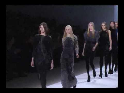 Yigal Azrouel Runway Show - Mercedes Benz Fashion Week NY 09