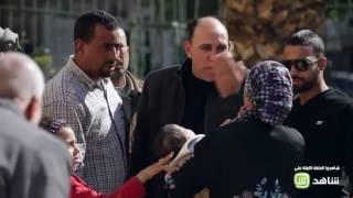 #الصدمة 2 | المصريون يمنعون سيدة من ترك طفلها بالشارع