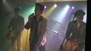 LIVE at 原宿 千葉・木更津出身のバンド。 Vo 糟谷克麿 G 高浦...