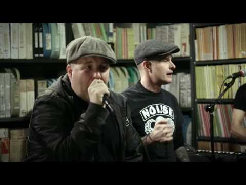 Dropkick Murphys - Rebels With A Cause -