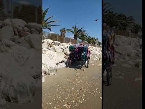 Alba Adriatica, venditori abusivi che stazionano alla Bambinopoli