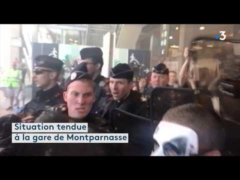 Réforme de la SNCF : 200 cheminots tentent d'envahir la gare Montparnasse