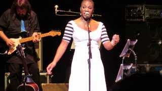 "India.Arie: ""Cocoa Butter"" - Beacon Theatre New York, NY 11/2/13"