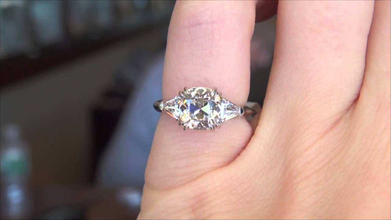 August Vintage Cushion Ring - YouTube