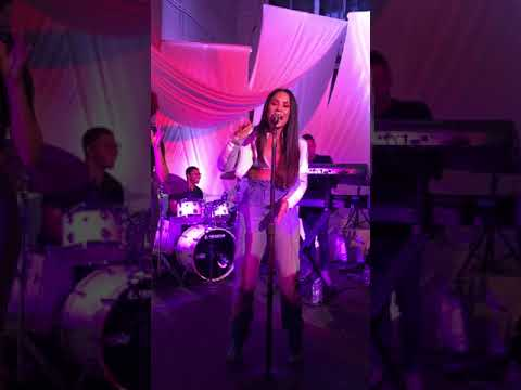 Demi Lovato - TELL ME YOU LOVE ME LIVE