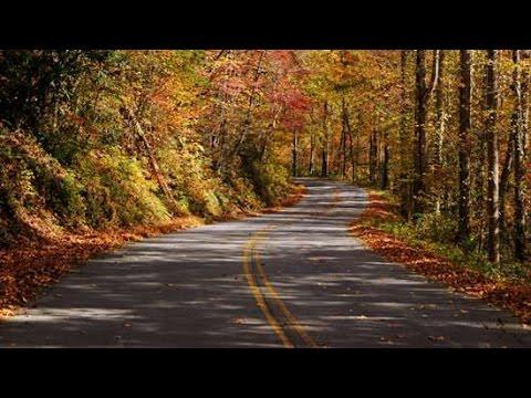 Fall Mountain Drive Into Helen, GA