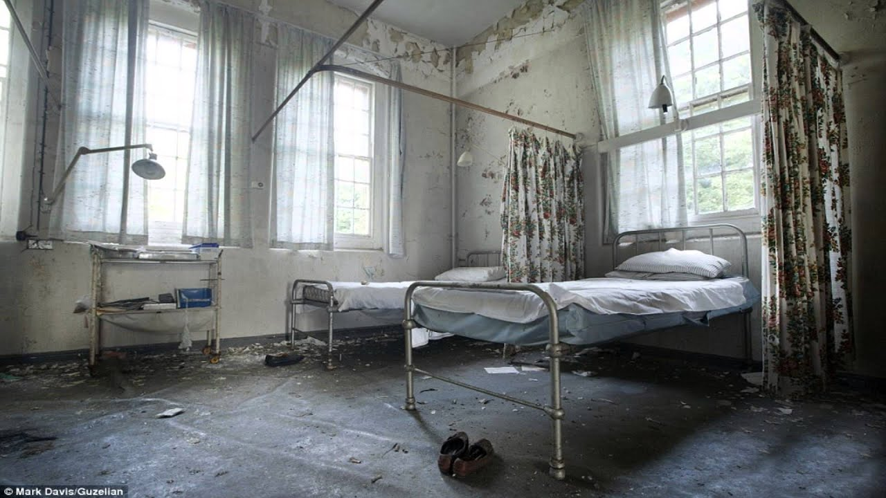 how to describe a hospital room in a story