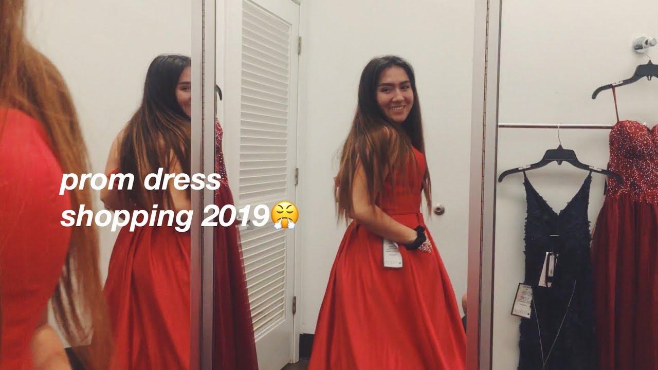 b7f951009 PROM DRESS SHOPPING 2019 – Shopping time