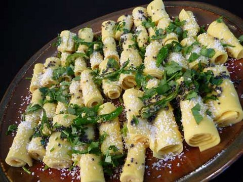Khandvi gujarati snack recipe youtube khandvi gujarati snack recipe forumfinder Choice Image