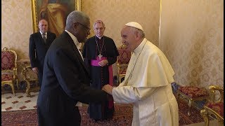 New ambassador from Angola presents credentials to Pope Francis