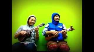"Umahoneys singing ""Nani Ni'ihau"" UMAHANA & NANIHAU."