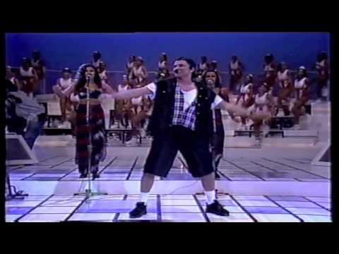 """Download Netinho cantando """"Total"""" em 1994 no Domingão do Faustão"""