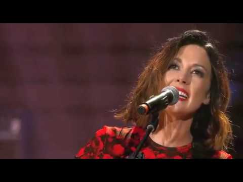 Amanda Shires - Harmless (Live on the 2017 Americana Music Association Awards)