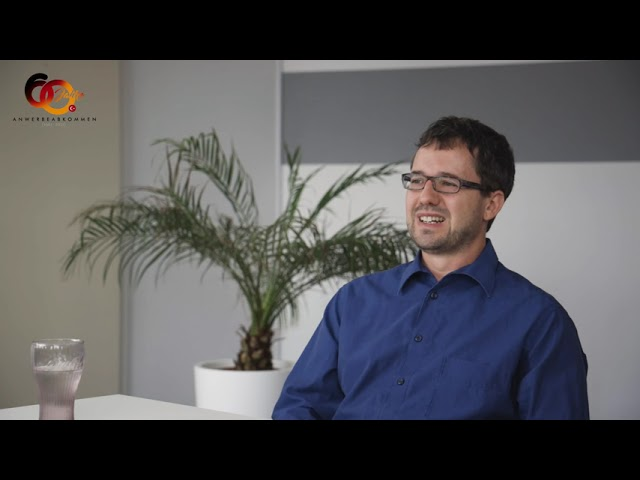 Geschäftsführer des DTF Stuttgart Kerim Arpad im Gespräch mit Nejdet Niflioğlu