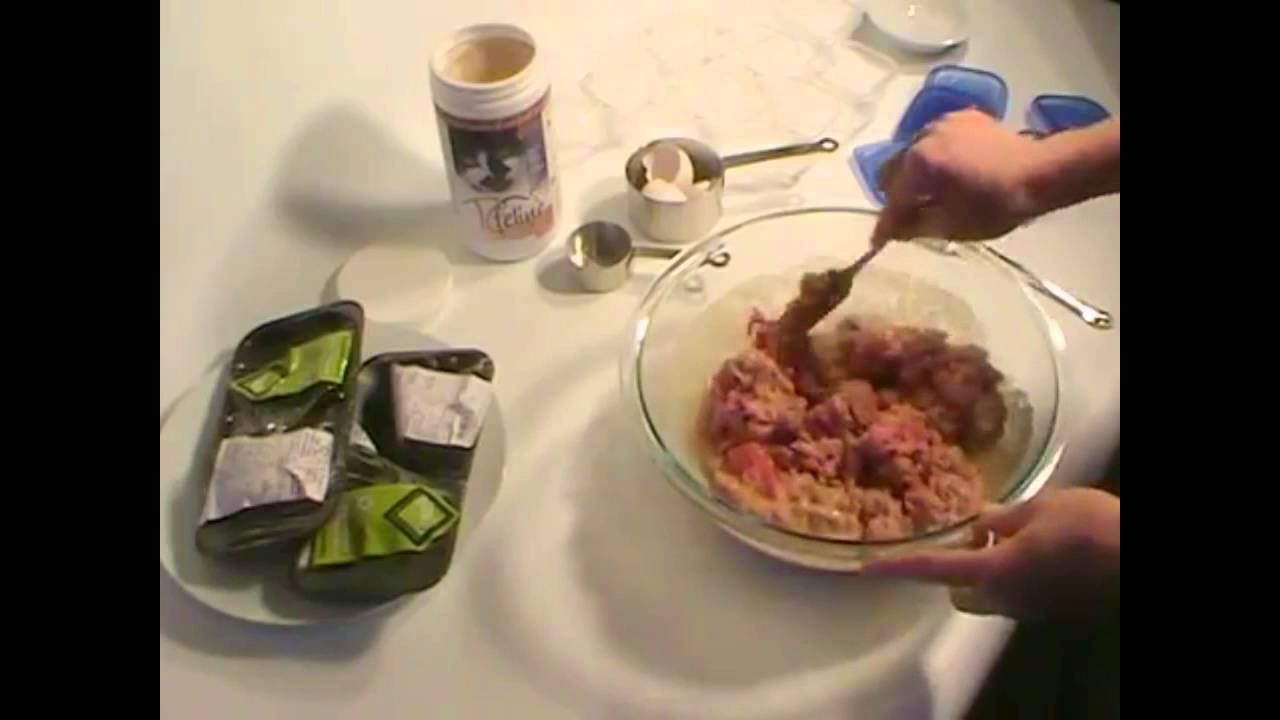 Raw cat food in 6 minutes with tcfeline premix so easy youtube raw cat food in 6 minutes with tcfeline premix so easy forumfinder Choice Image