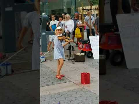 Amazing young girl playing Despacito on a violin by Karolina Protsenko 9 years old
