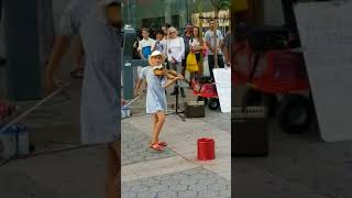 Amazing young girl playing Despacito on a violin (by Karolina Protsenko, 9 years old)