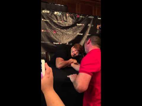 Arm wrestling KJK