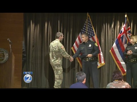 Honolulu police recognize officers, civilians for heroic actions
