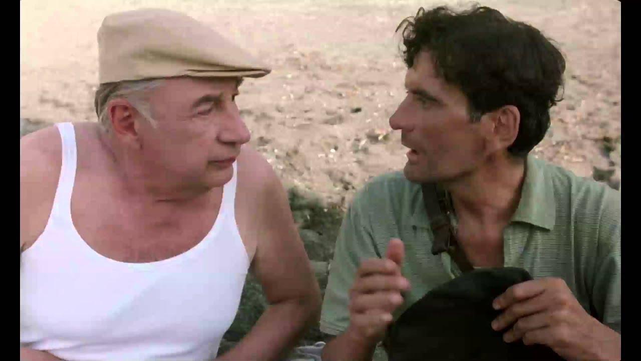 Il Postino - Dialogo sulla spiaggia - Clip dal film | HD