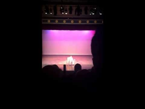 Scott Simpson singing Fast Car at Mr. Amador