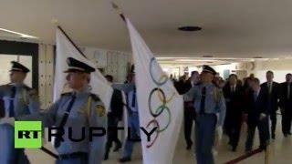 Олимпийский огонь доставили в штаб-квартиру ООН в Женеве(Олимпийский огонь привезли в штаб-квартиру Организации объединенных наций в Женеве. В торжественной проце..., 2016-04-29T09:32:00.000Z)