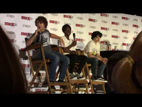 Stranger Things Q&A At Fan Expo 2017 - Clip 3
