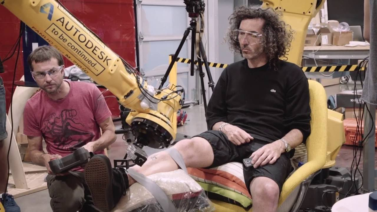 World S First Tattoo By Industrial Robot Youtube