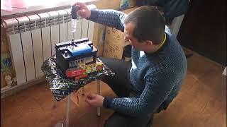 Разряжается аккумулятор, проверьте плотность.Проверка плотности в аккумуляторной батареи.